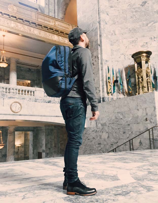The model as tourist in Olympia's state capitol building